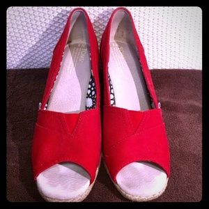 Classic TOMS Womans Canvas Red Wedges sz 9B